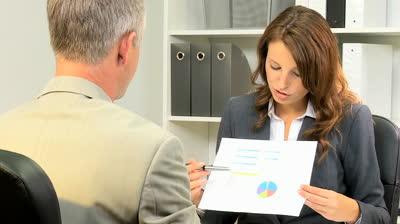 advisor-greeting-client